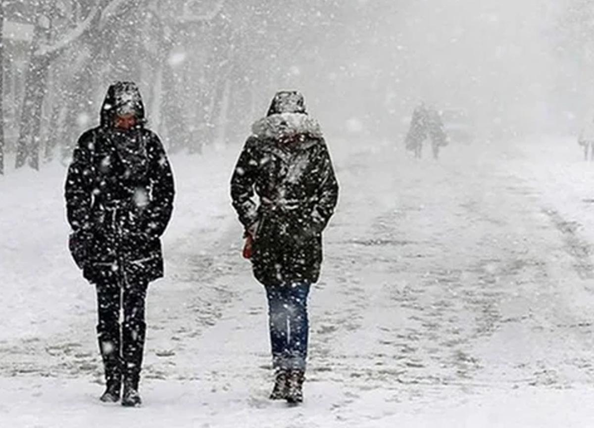 Meteoroloji'den hortum ve dolunun vurduğu İzmir için yeni uyarı