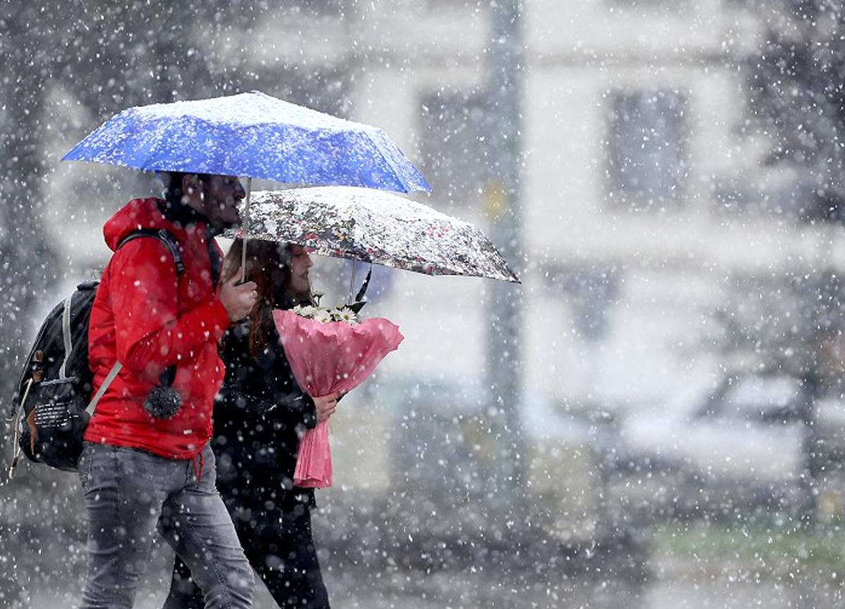 Saat verildi: Günlerdir uyarısı yapılan İstanbul'daki kar yağışı ne zaman başlayacak?