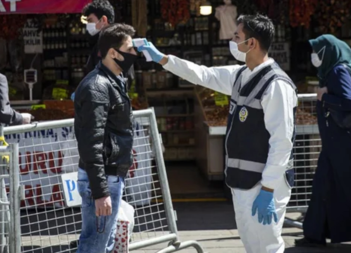 Bilim Kurulu Üyesi Prof. Dr. Tevfik Özlü'den normalleşme için kritik açıklama!