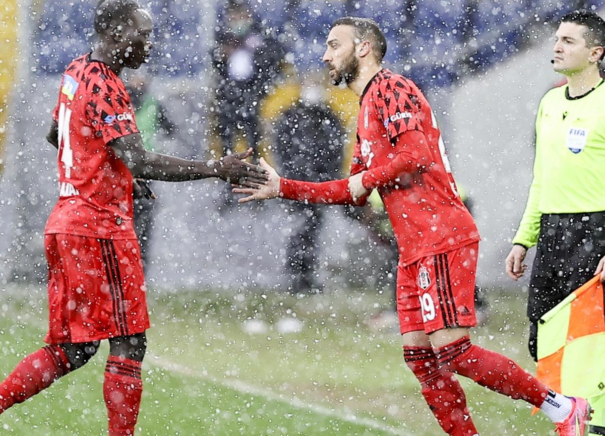 Beşiktaş rahat kazandı, Cenk ilk maçında 2 golle yıldızlaştı