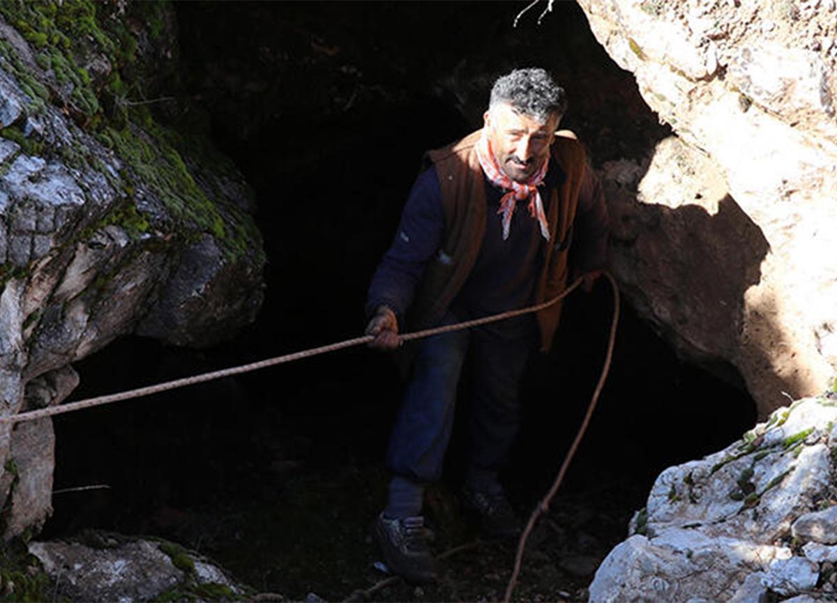Defineciler hazine ararken mağara buldu! Korumaya alındı