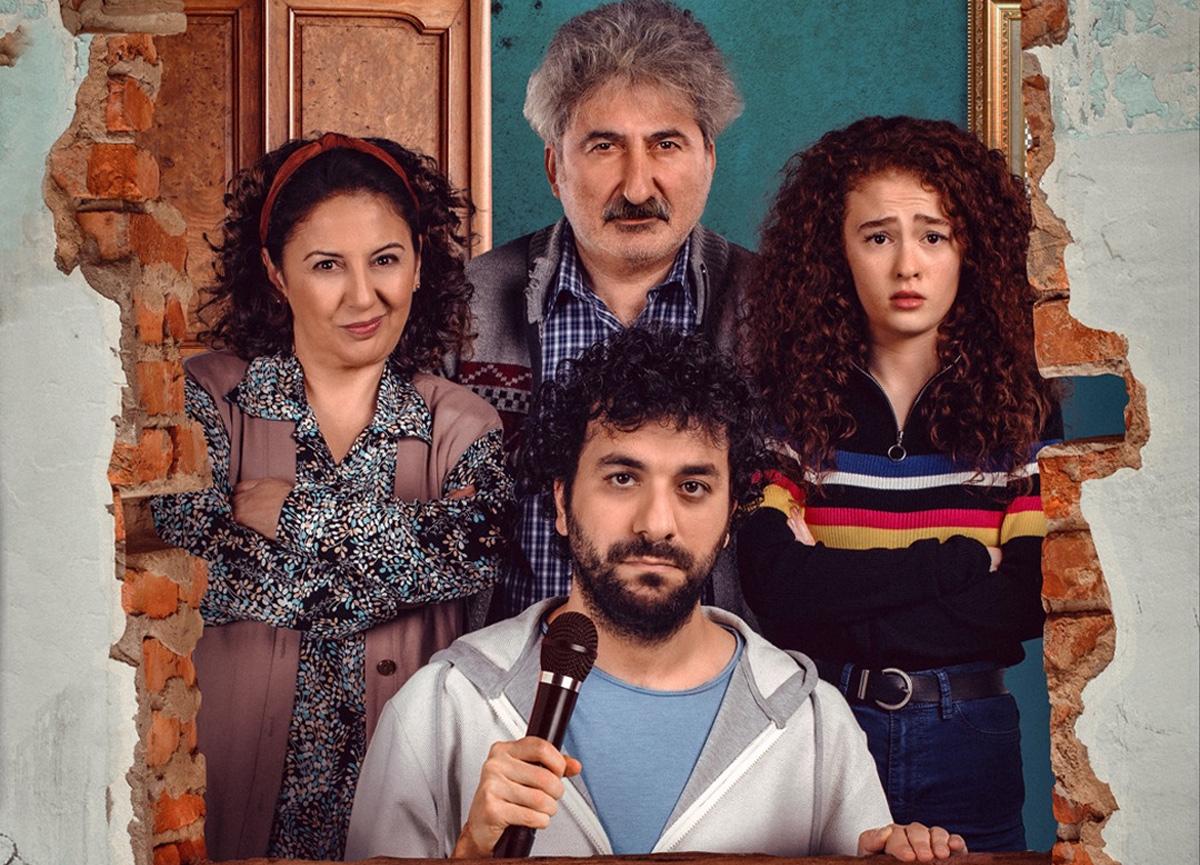 Hasan Can Kaya'nın dizisi 'Bir Yeraltı Sit-Com'u''nun afişi yayınlandı!