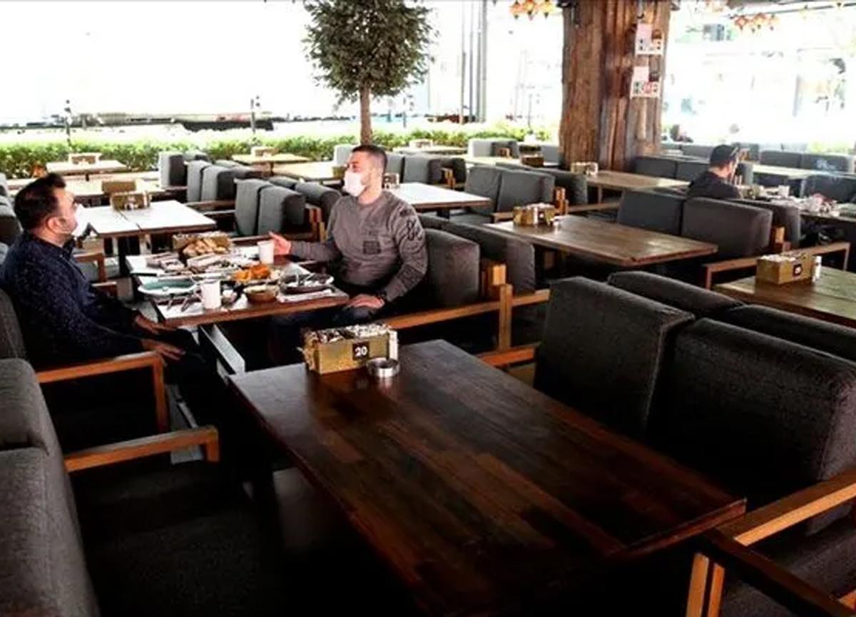 Restoran ve kafelere süre sınırı gündemde... Kapalı mekanda 45 dakika!