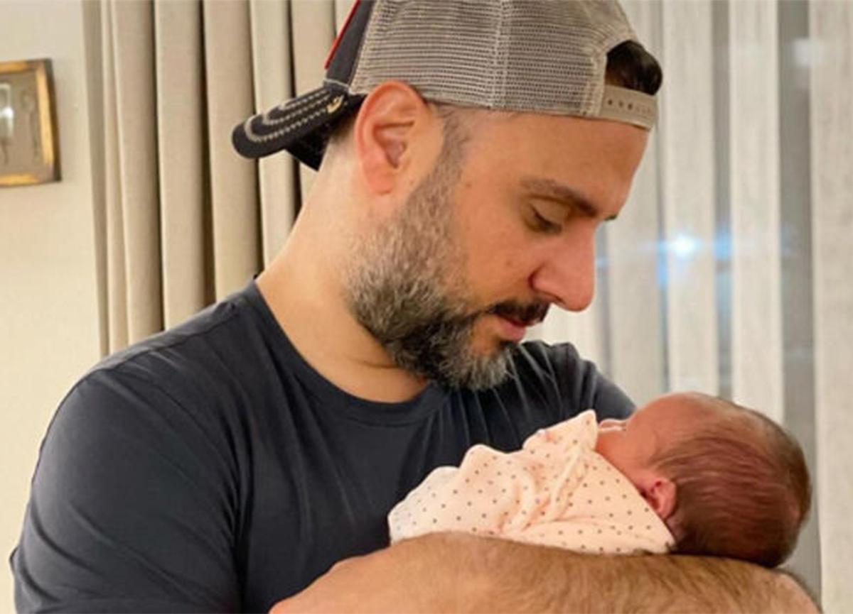 Alişan'dan kızı Eliz'le yeni poz: 'Kız babası olmak kolay değil'