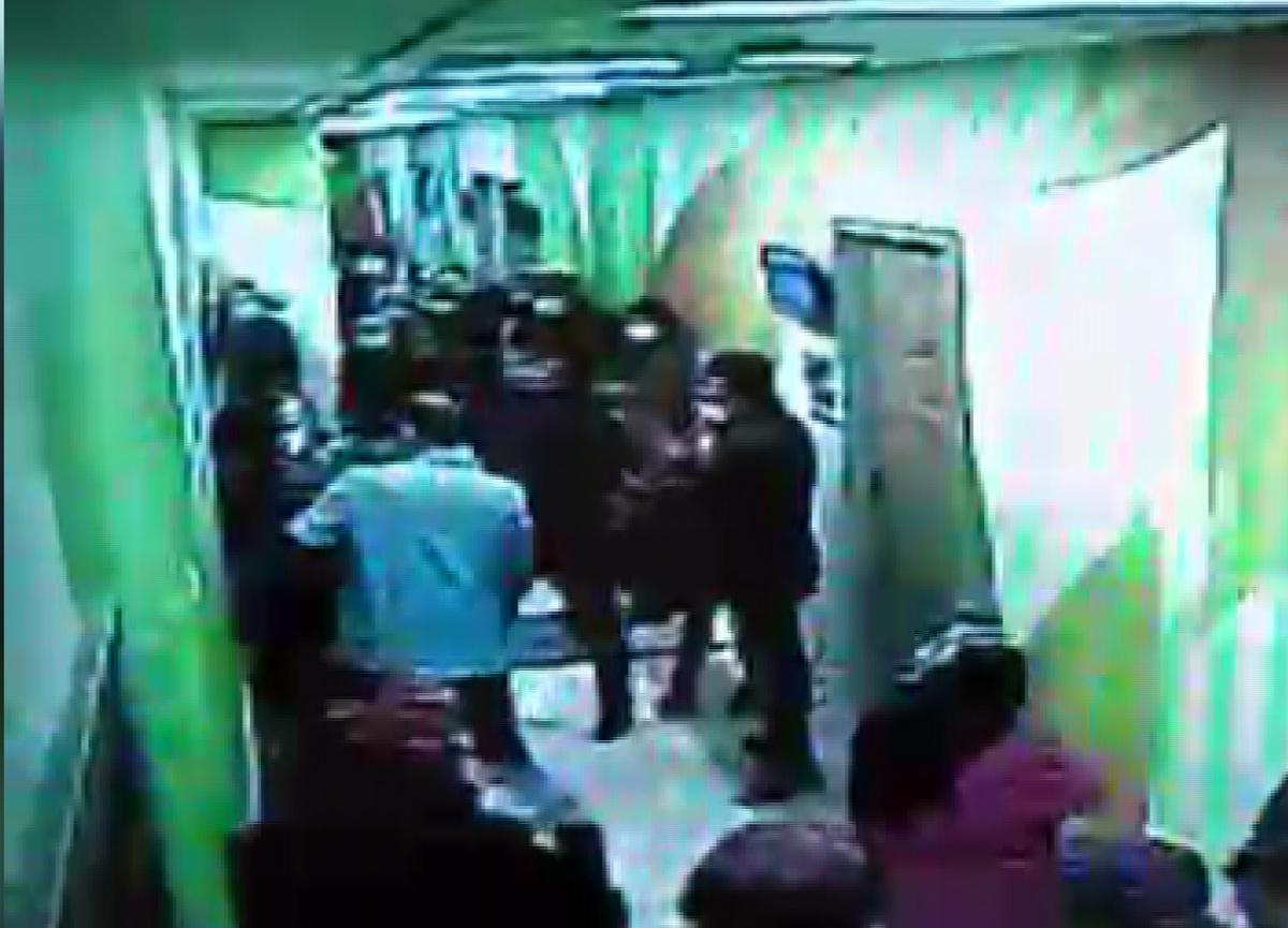 Konya'da polis, temizlik görevlisi gibi giyinip firari hükümlüyü yakaladı
