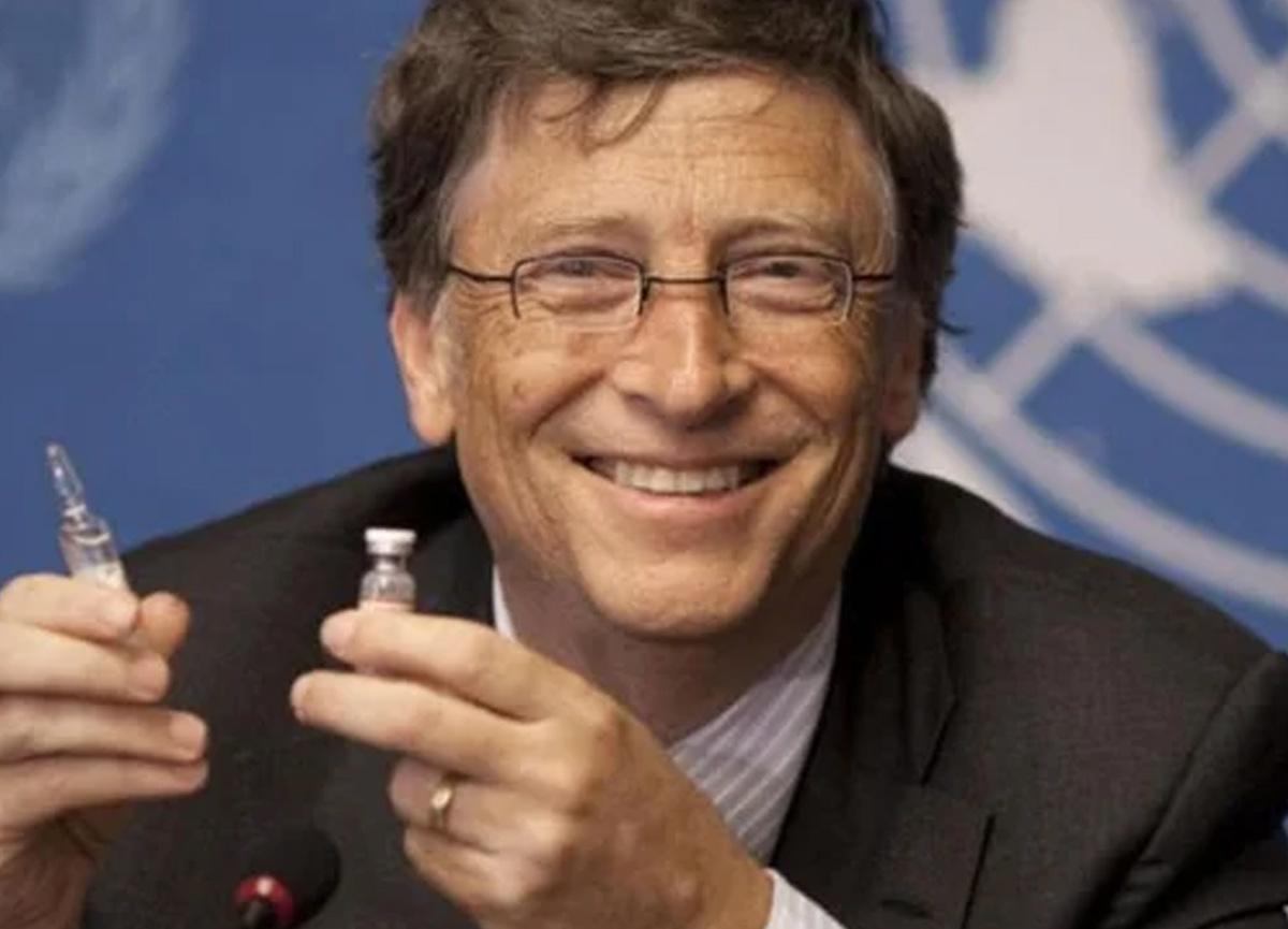 Bill Gates, üçüncü doz aşıya ihtiyaç duyulabileceğini söyledi
