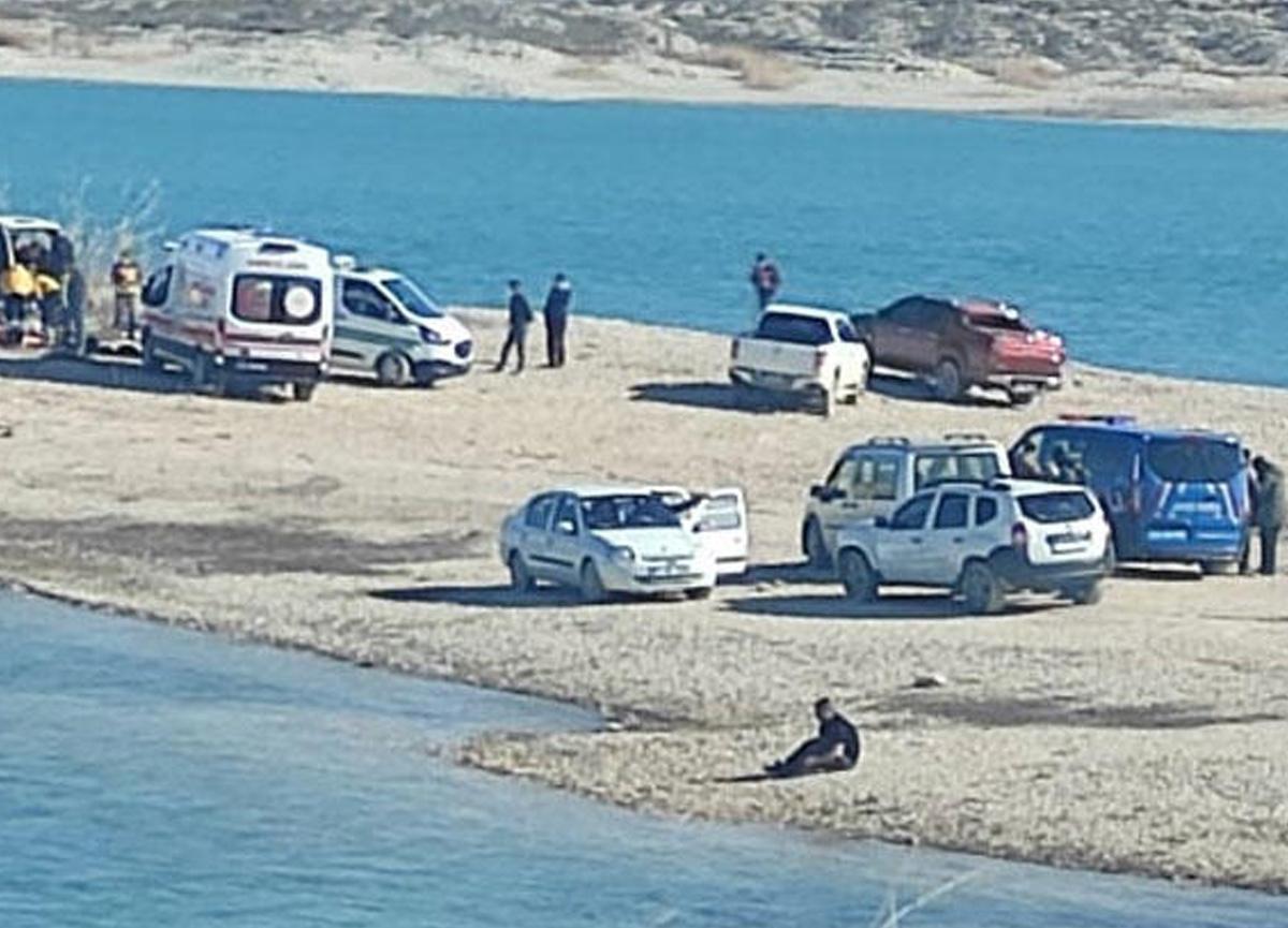 Şanlıurfa'da minibüsün içinde 1'i çocuk 3 kişinin cesedi bulundu