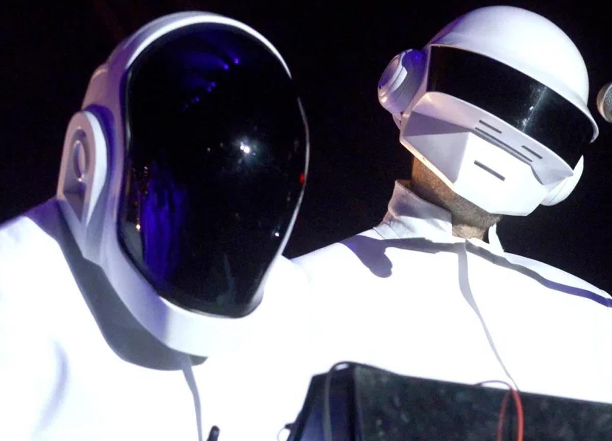Fransız elektronik müzik ikilisi Daft Punk ayrıldı