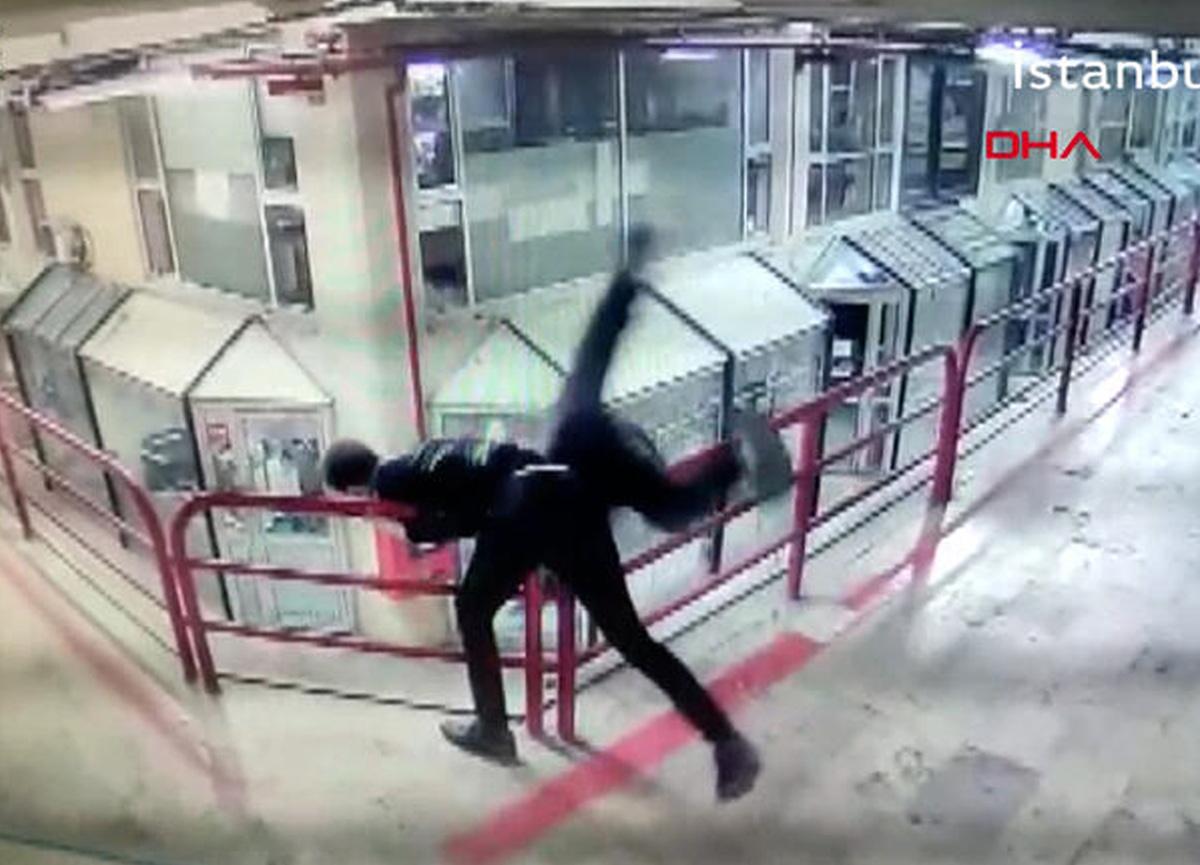 Şişli'de kan donduran görüntü! Saldırdığı esnafı 12. kattan aşağı attı