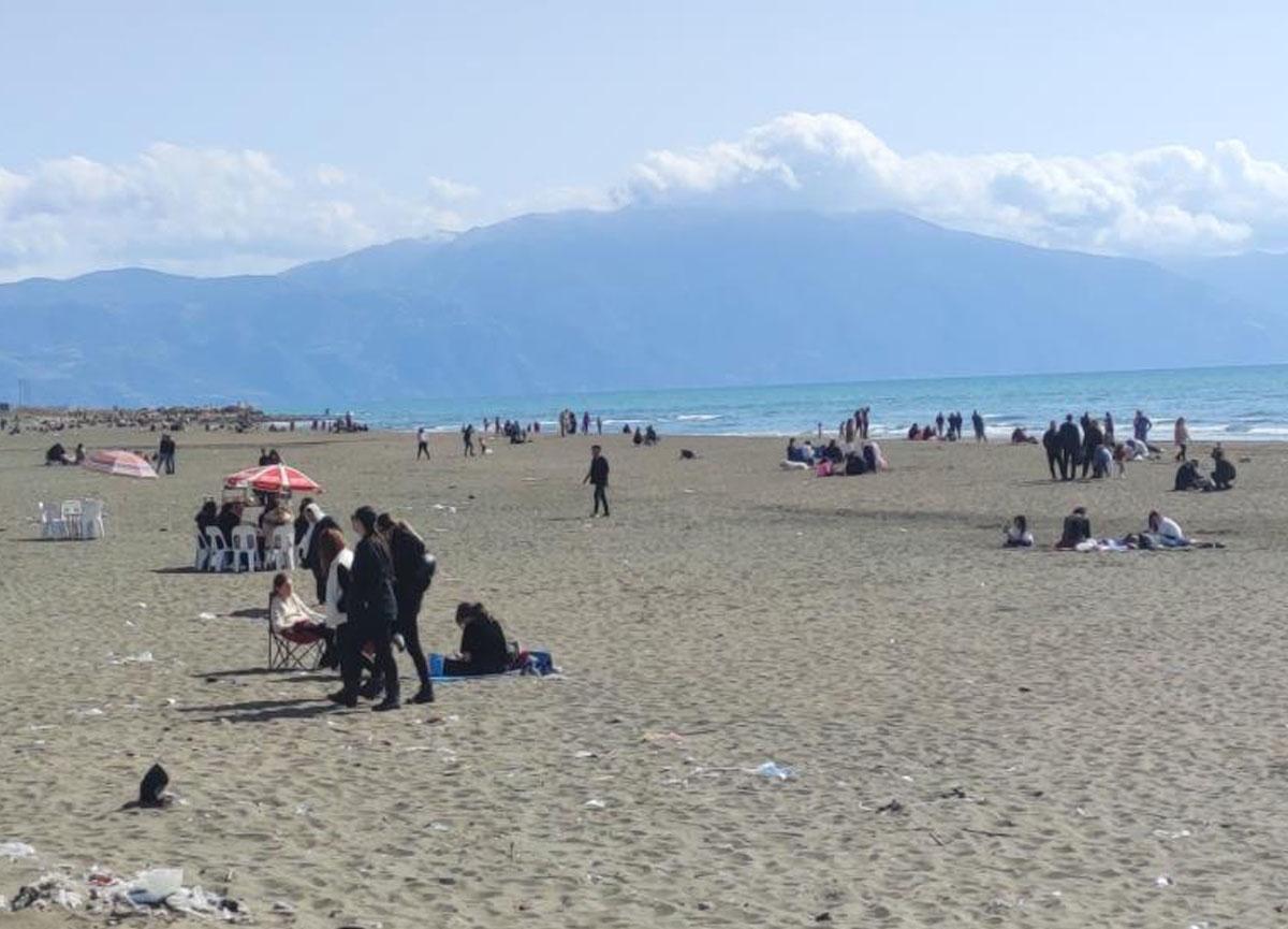 Hatay'da yasaksız ilk pazar sahillere akın edildi!