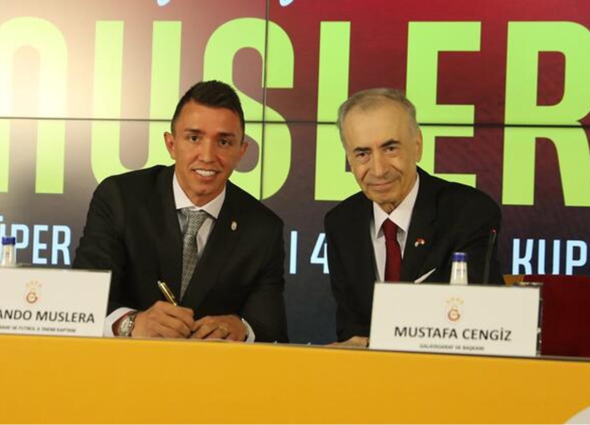 2024 yılına kadar Galatasaray ile sözleme yenileyen Fernando Muslera'dan transfer itirafı