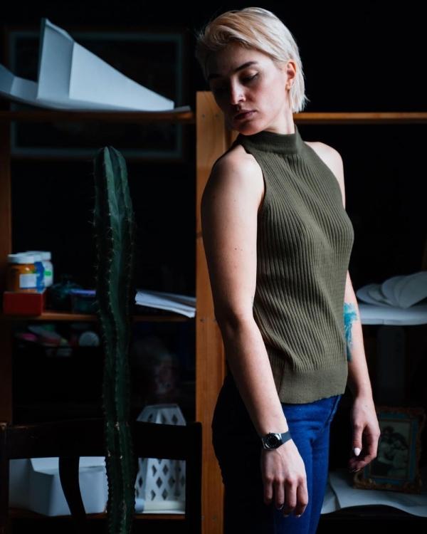 Rusya'da mahkeme dövmeli ve piercingli kadının anneliğe uygun olmadığına karar verdi