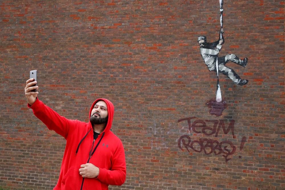 Banksy'nin, Create Escape (Hapishaneden Kaçış) eserine saldırı