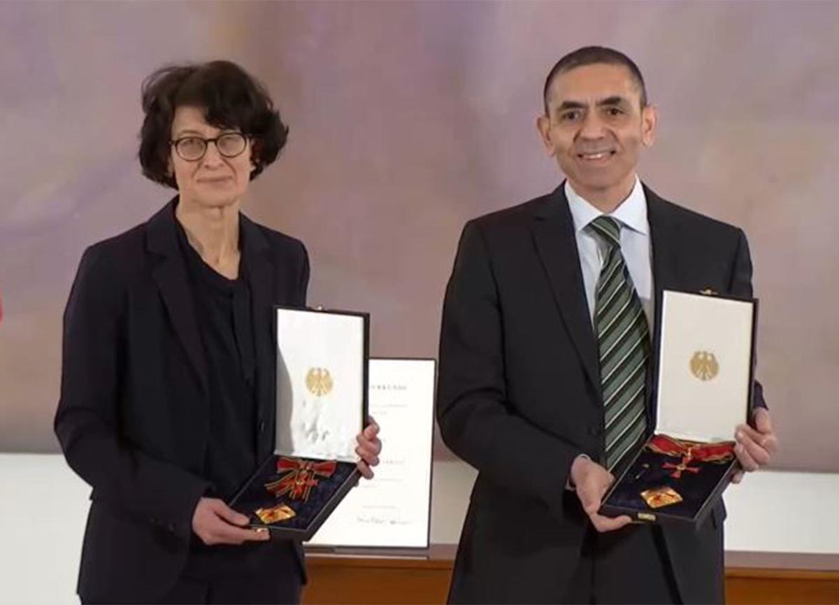 Prof. Dr. Uğur Şahin ve Dr. Özlem Türeci'ye en üst düzey devlet madalyası