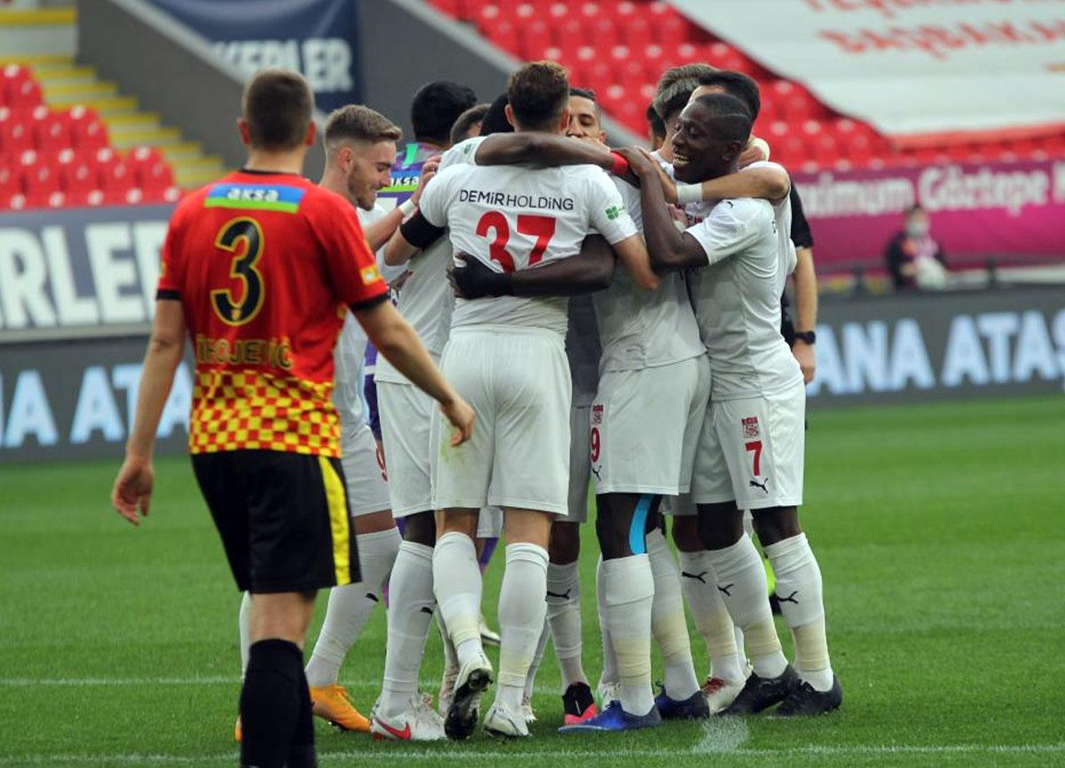 Sivasspor deplasmanda Göztepe'yi 5-3 yendi