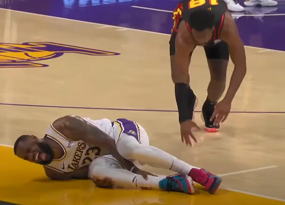 Los Angeles Lakers'ta LeBron James şoku: Acı içinde yere yığıldı... Durumu ciddi!