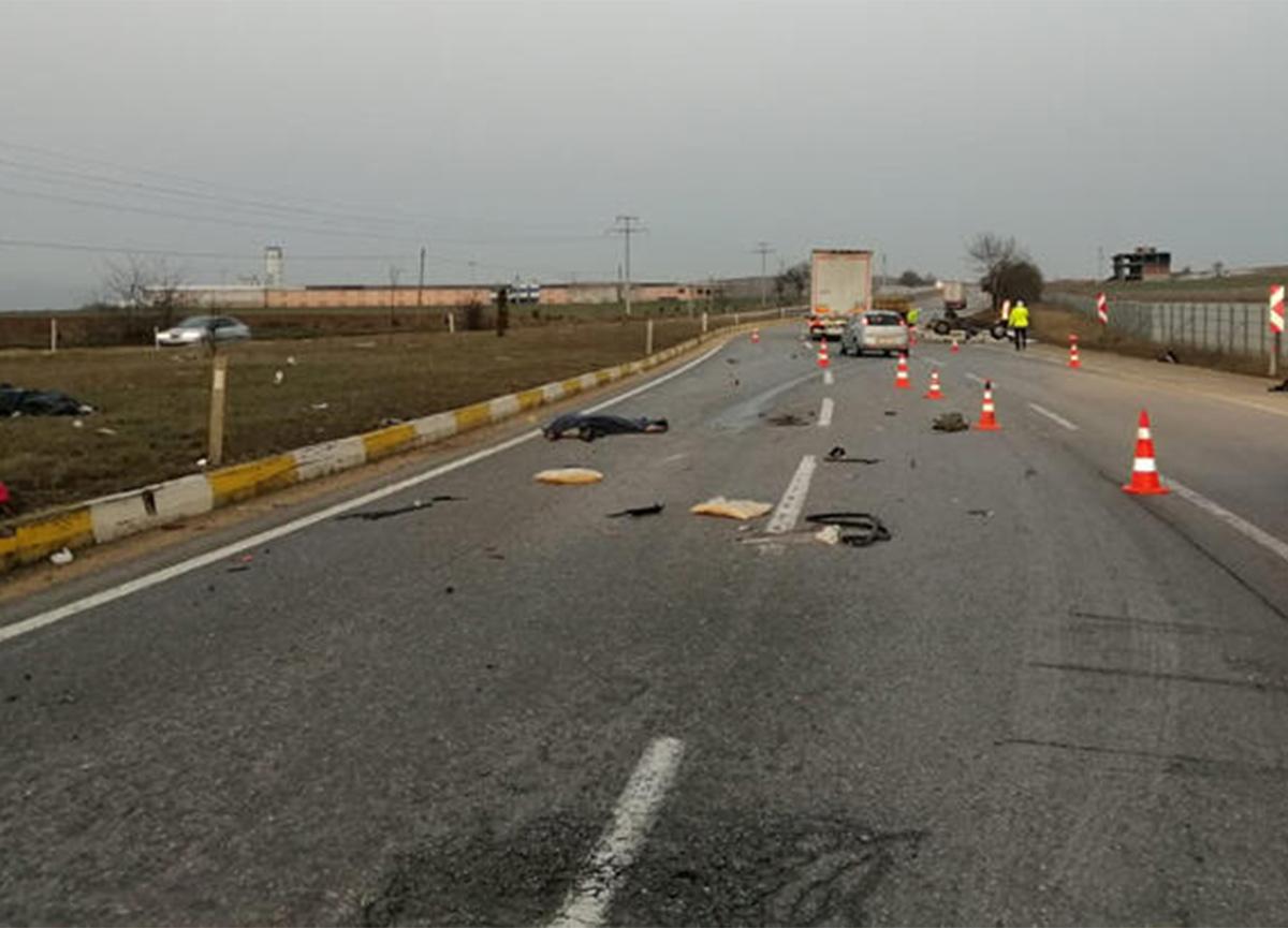 Eskişehir'de feci kaza! 2 kişi öldü, 1 kişi yaralandı
