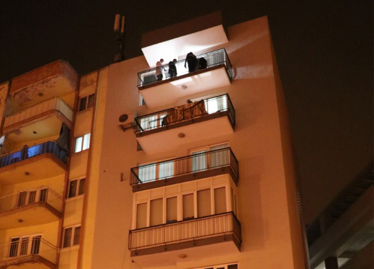 Denizli'de kan donduran vahşet: Çatıdan ip sarkıtarak girdiği evde eşini katletti
