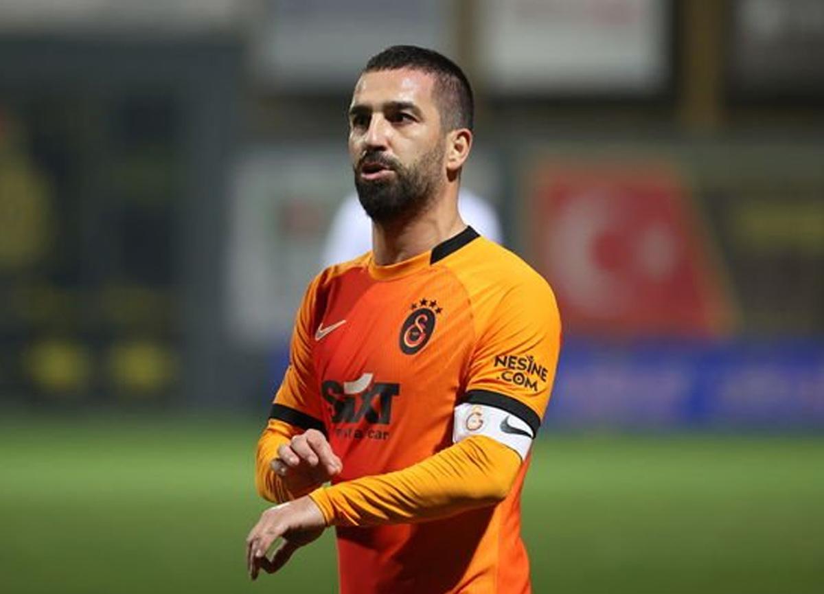 Galatasaray'da Arda Turan'ın sözleşmesi uzatılıyor!
