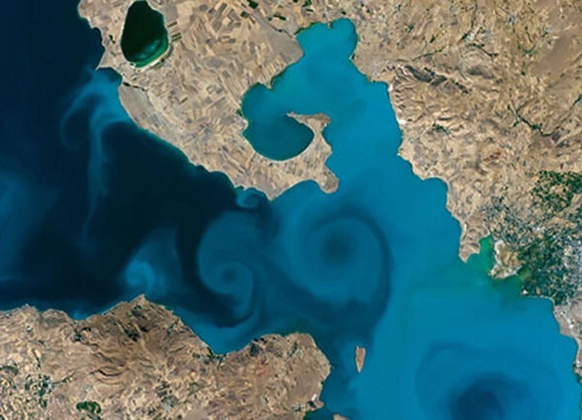 Van Gölü'nün uzaydan çekilmiş fotoğrafı, 3 turda 28 fotoğrafı geride bıraktı