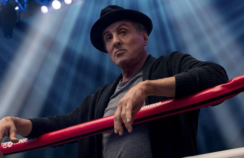 Sylvester Stallone: Rocky dizisi yazmaya başladım