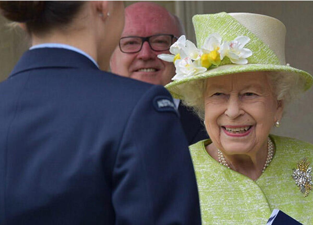 Prens Harry ve Meghan Markle'ın röportajından sonra Kraliçe ortaya çıktı