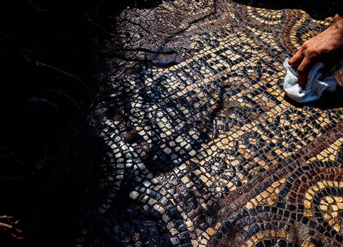 Tarihi keşif: İzmir'de 1500 yıllık mozaik bulundu... 'Ulaşılması zor bir bölgede bulundu'