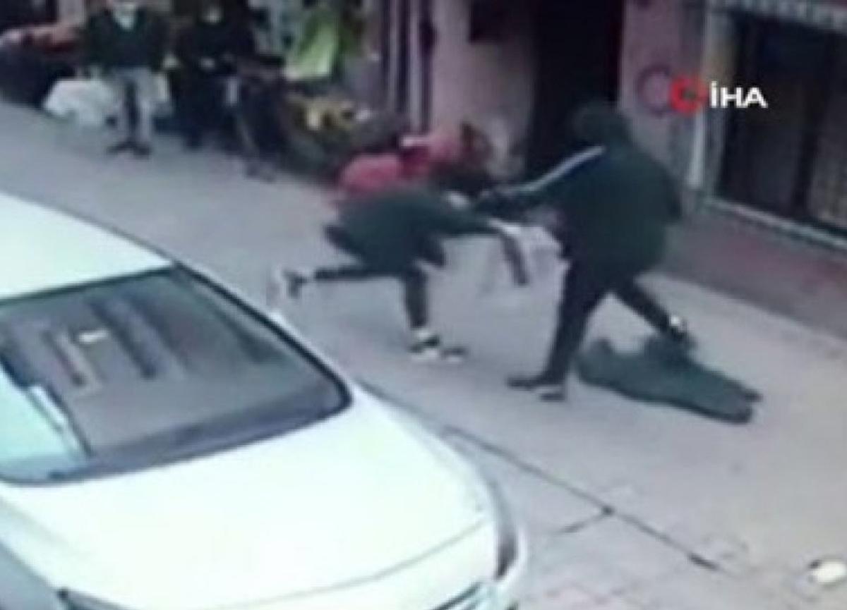 İstanbul'da kan donduran olay! Boşanmak isteyen eşini defalarca bıçakladı...