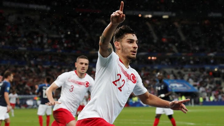 Galatasaray'dan sürpriz Kaan Ayhan hamlesi