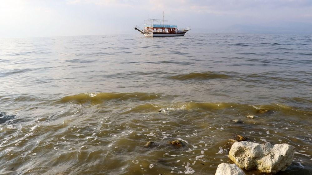 Burdur Gölü'nde korkutan görüntü: 'İlkbahar patlaması'