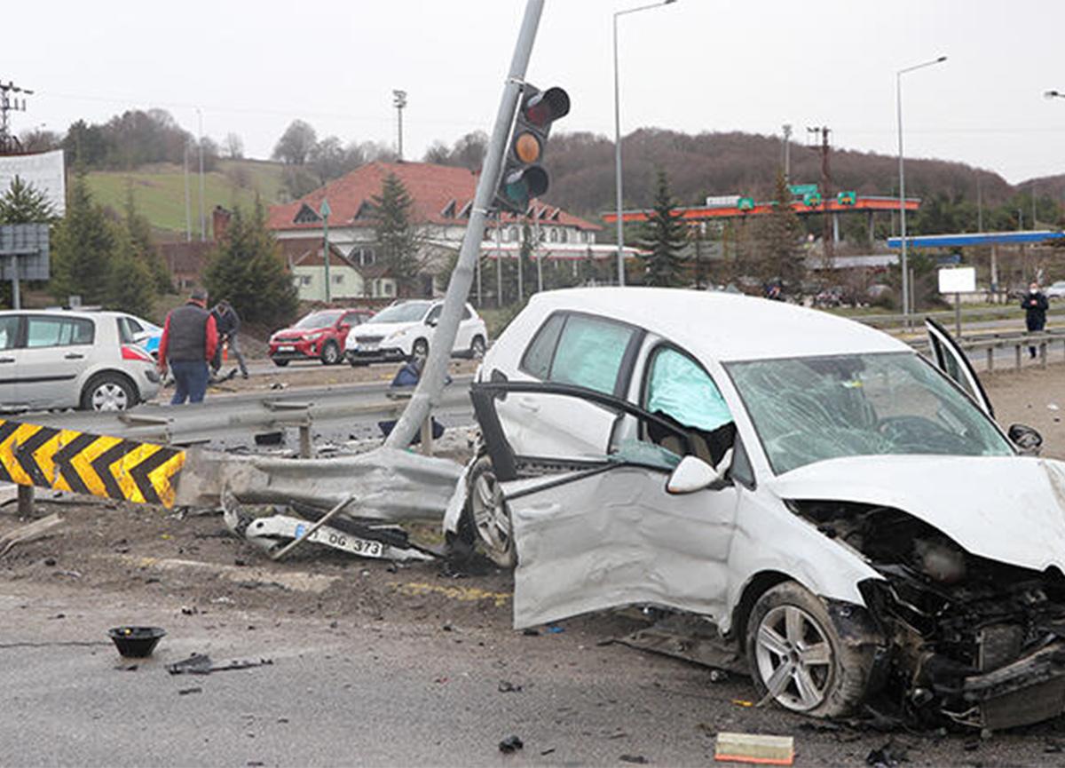 Bolu'da feci kaza! 1 ölü, 3 yaralı var