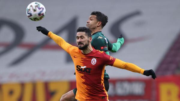Galatasaraylı Emre Akbaba'ya bir şok daha: 'Şimdi de biz seni istemiyoruz'