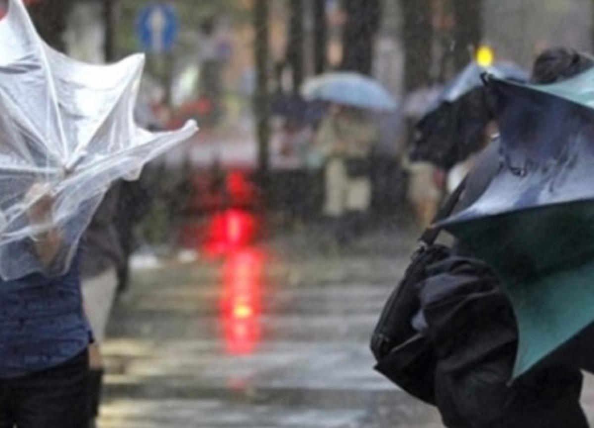 Meteoroloji Ege ve Akdeniz için kuvvetli fırtına uyarısında bulundu