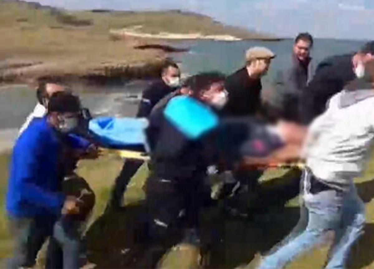 İzmir'de askeri uçak düştü! 2 pilot sağ olarak kurtarıldı