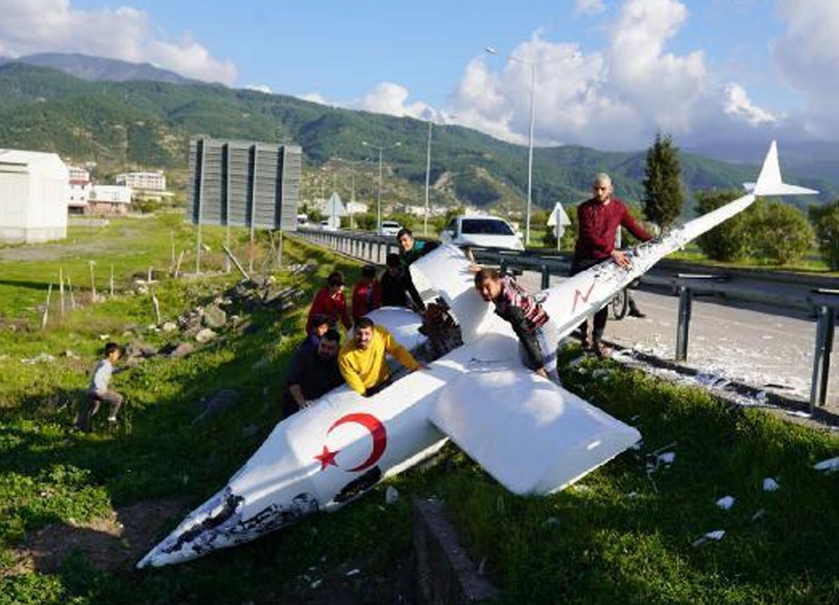 Sosyal medya fenomeni kendi tasarladığı uçakla uçmaya çalıştı, sonuç hüsran oldu