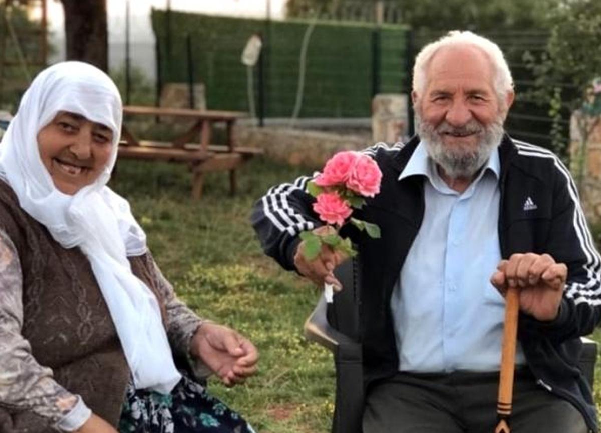 35 yıllık evli çift aynı gün koronavirüsten vefat etti