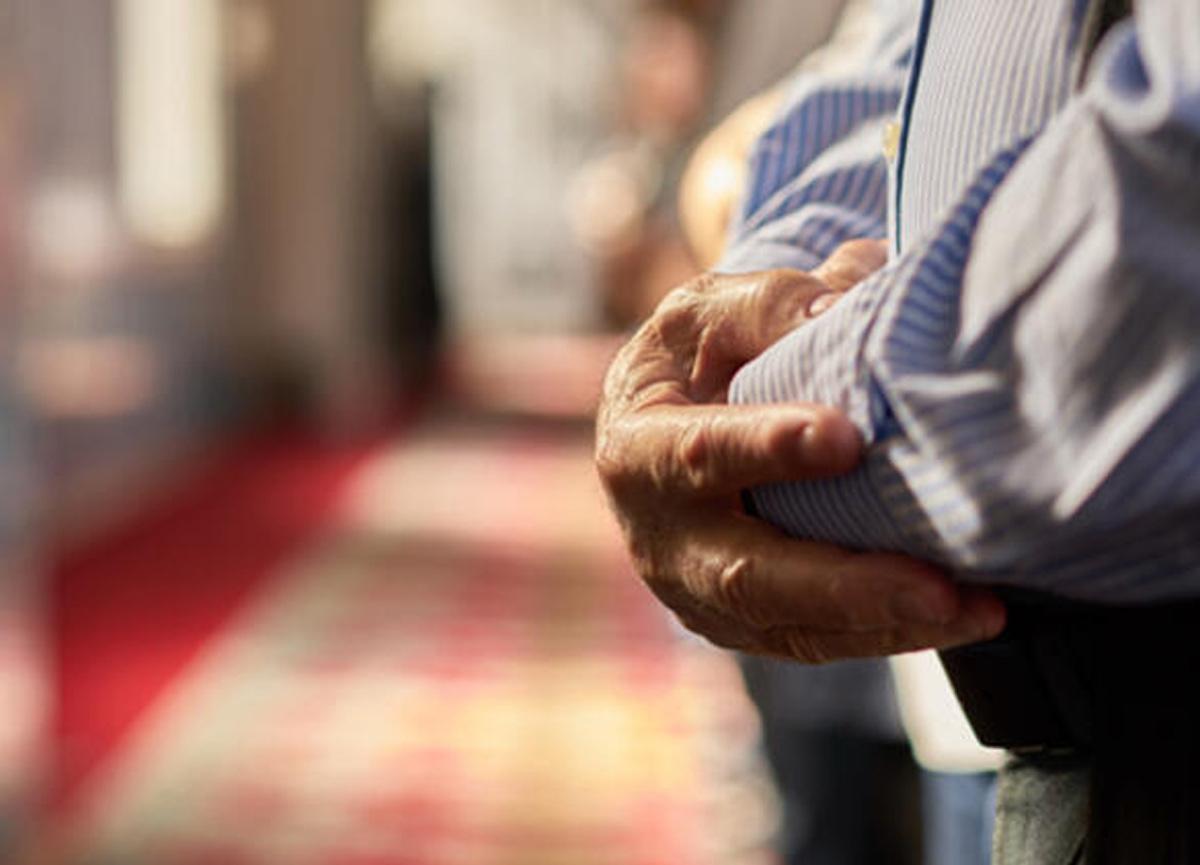Teravih namazı evde nasıl kılınır? Teravih namazı kaç rekat?