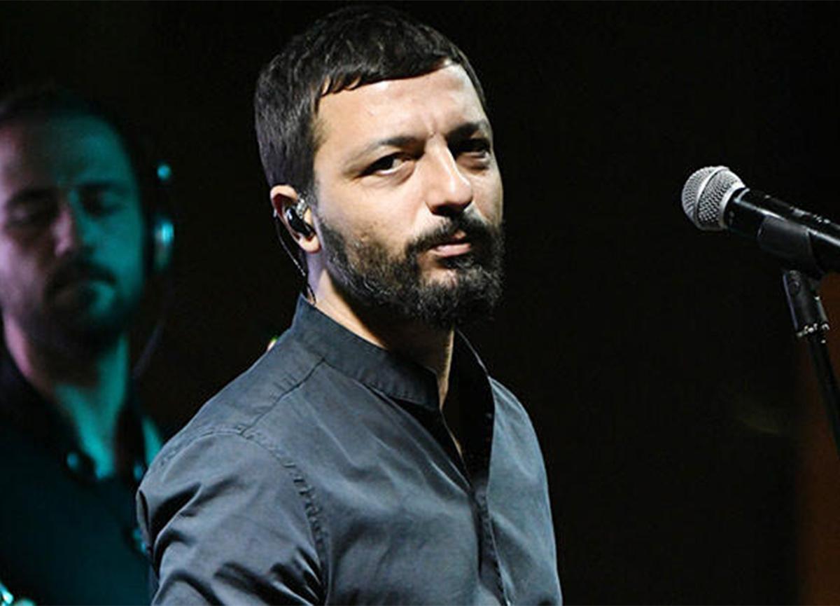 Mehmet Erdem, yolcu uçağında olay çıkardı