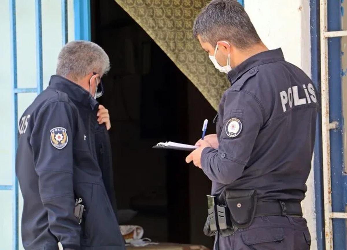 Öldü sanılıp kapısına gelen polislere 'iyiyim' demişti! O adam ölü bulundu...