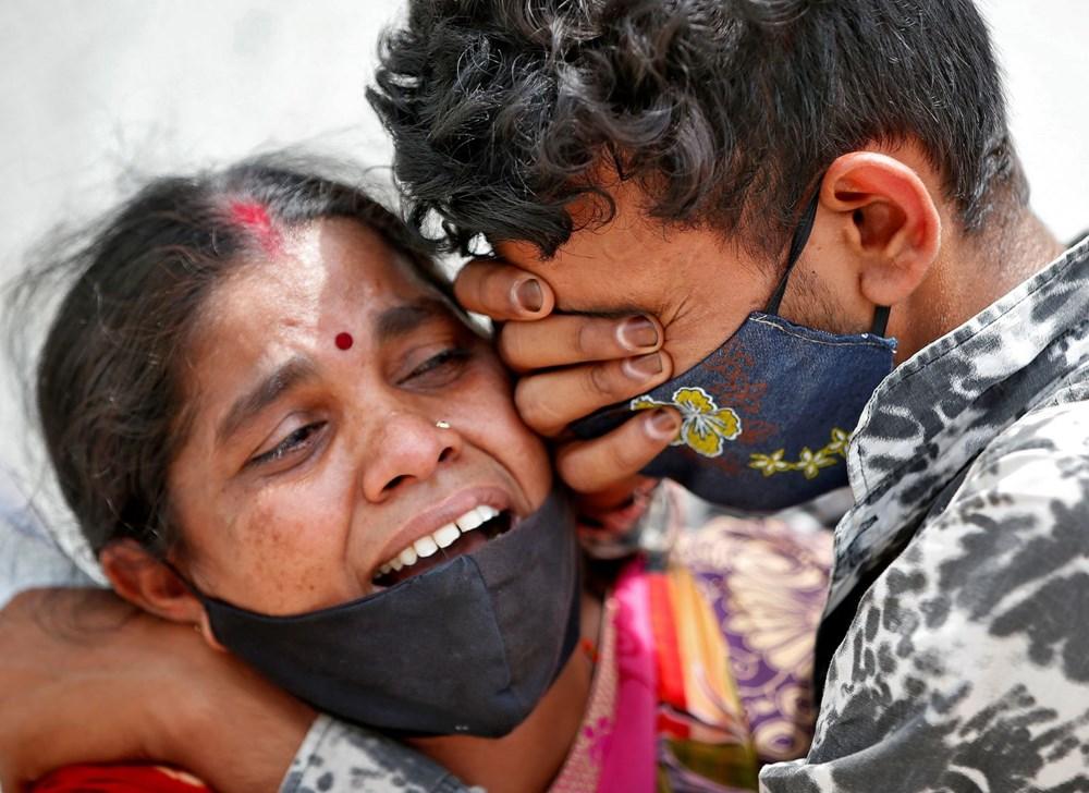 Hindistan'da hastanelerde yatak ve oksijen kalmadı: Ülke Covid-19 salgınını yönetirken hangi hataları yaptı?