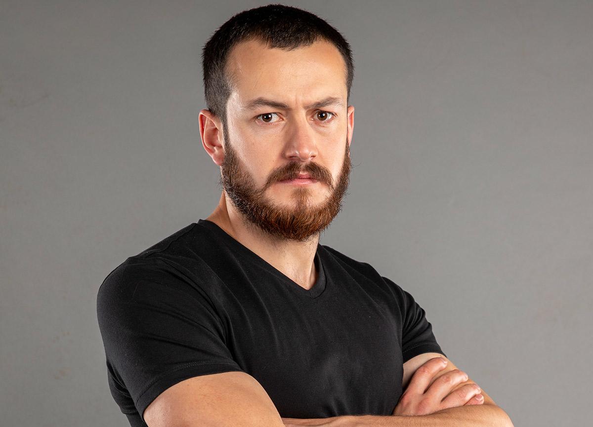 Survivor Reşat kimdir, kaç yaşında? Survivor 2021'e veda eden Sultan Reşat Hacıahmetoğlu kimdir?
