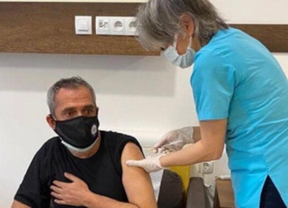 Ünlü türkücü Yavuz Bingöl koronavirüs aşısı oldu