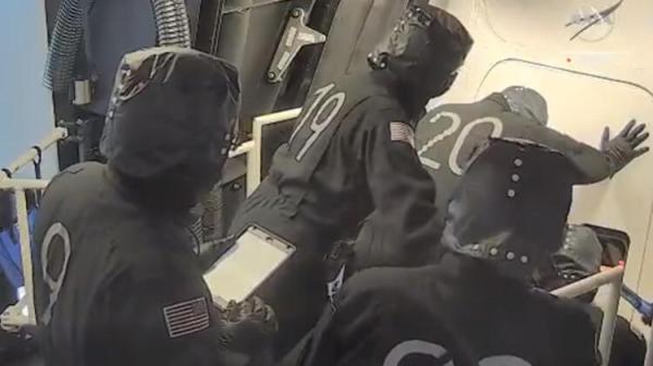 NASA ve SpaceX Crew-2 görevi için düğmeye basıyor
