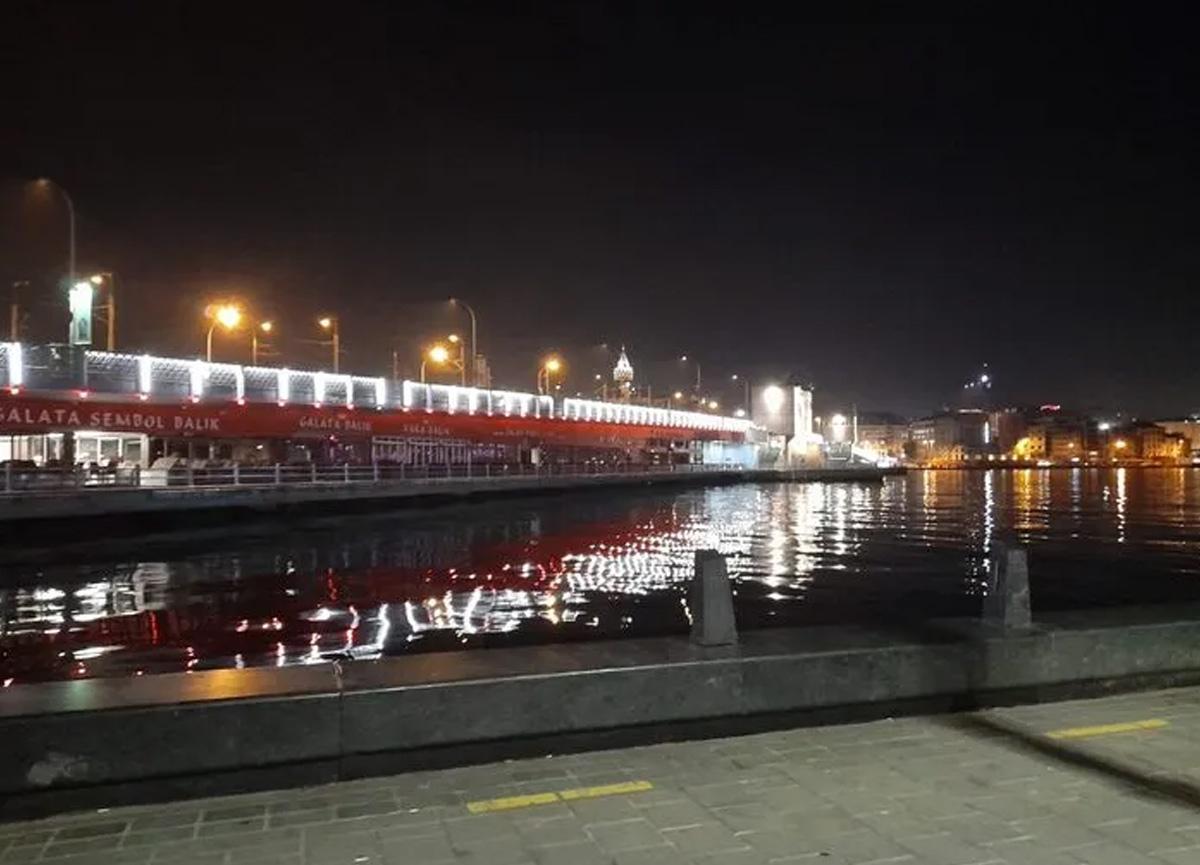 Galata Köprüsü'nde kan donduran olay: Denize iterek öldürdü...