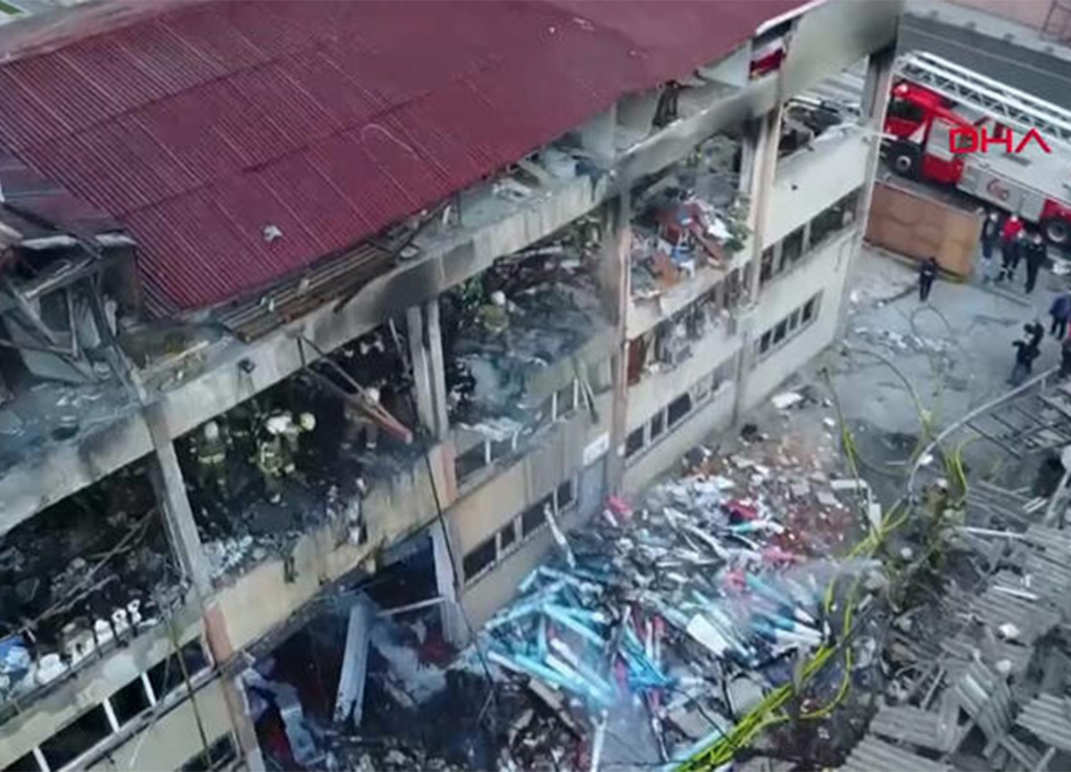 Bağcılar'da fabrikada korkutan yangın!