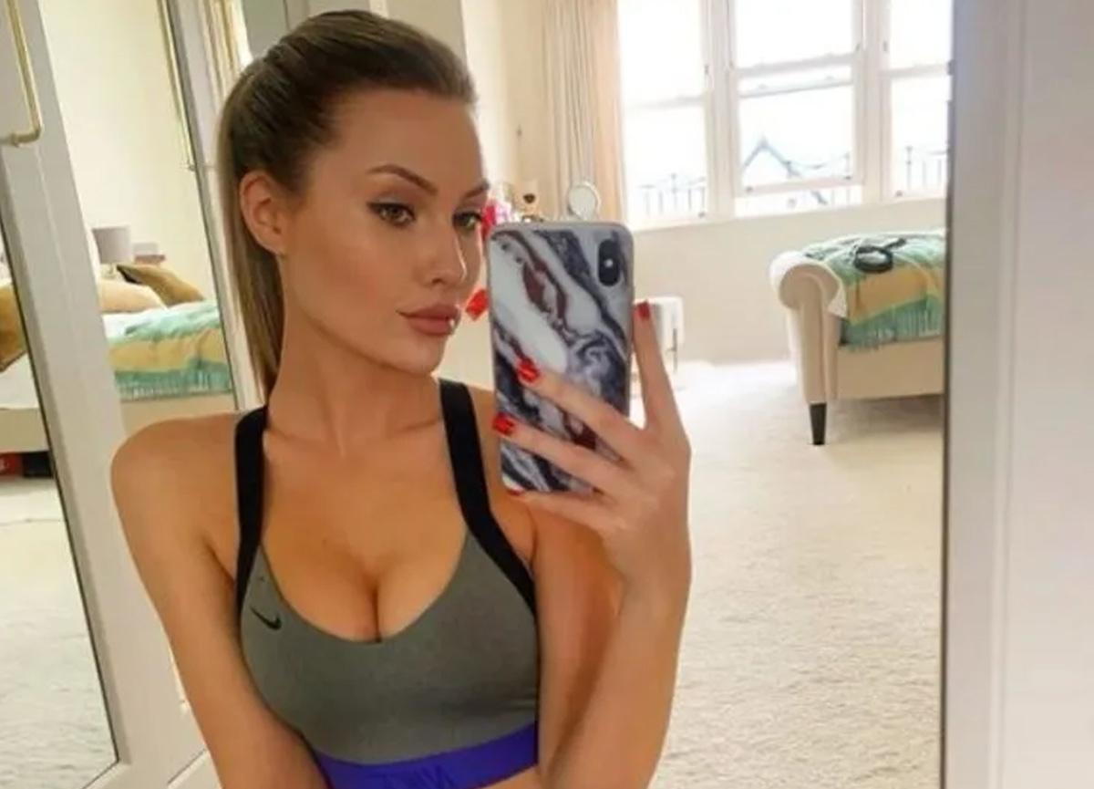 Chloe Loughnan bikinili pozuyla sosyal medyayı salladı! Fiziği alkış topladı...