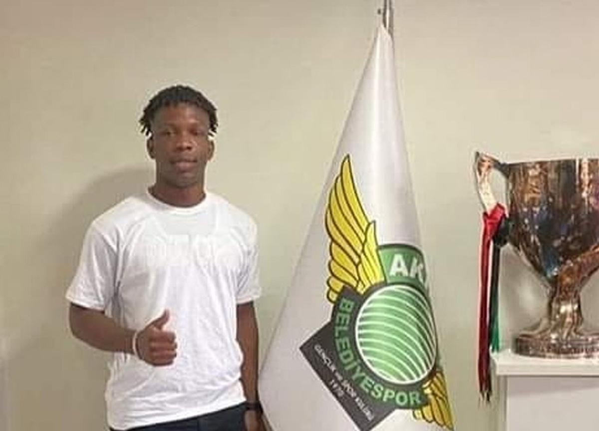 Akhisarspor'dan sahte futbolcu iddiası çıkan Martins Chisom Onyebueke için resmi açıklama!
