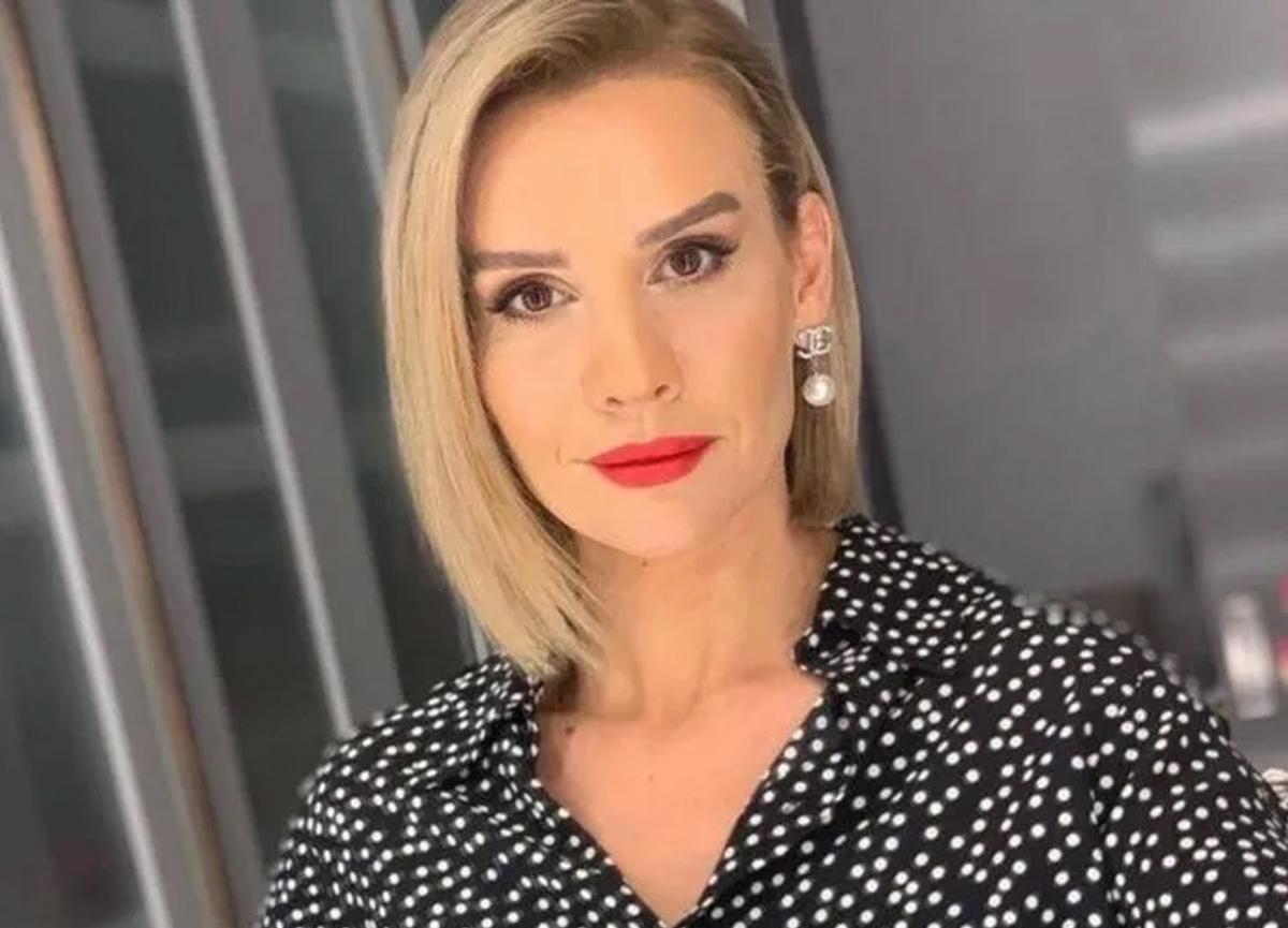 Esra Erol makyajsız paylaşımıyla sosyal medyaya bomba gibi düştü
