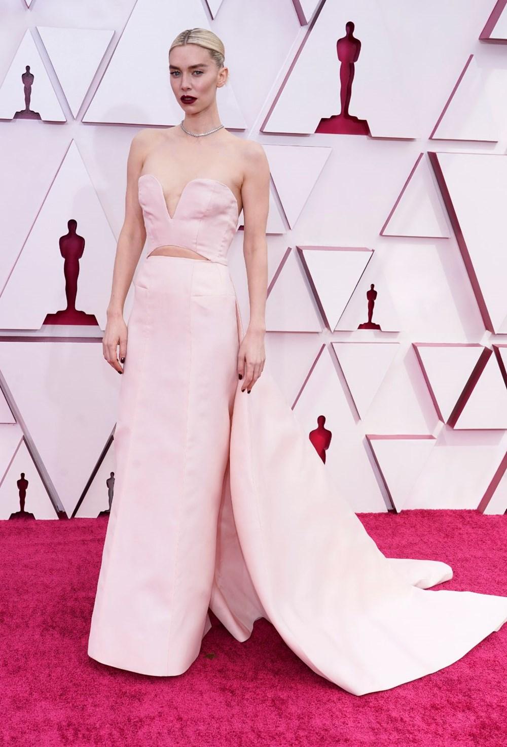 2021 Oscar Ödülleri'nde (93. Oscar Ödülleri) kırmızı halı şıklığı