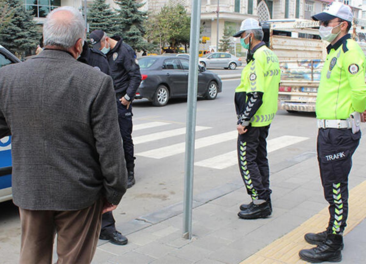 Sivas'ta şok! Koronavirüs temaslısı, bankada yakalandı